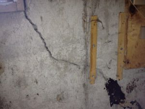 Commercial Building Crack